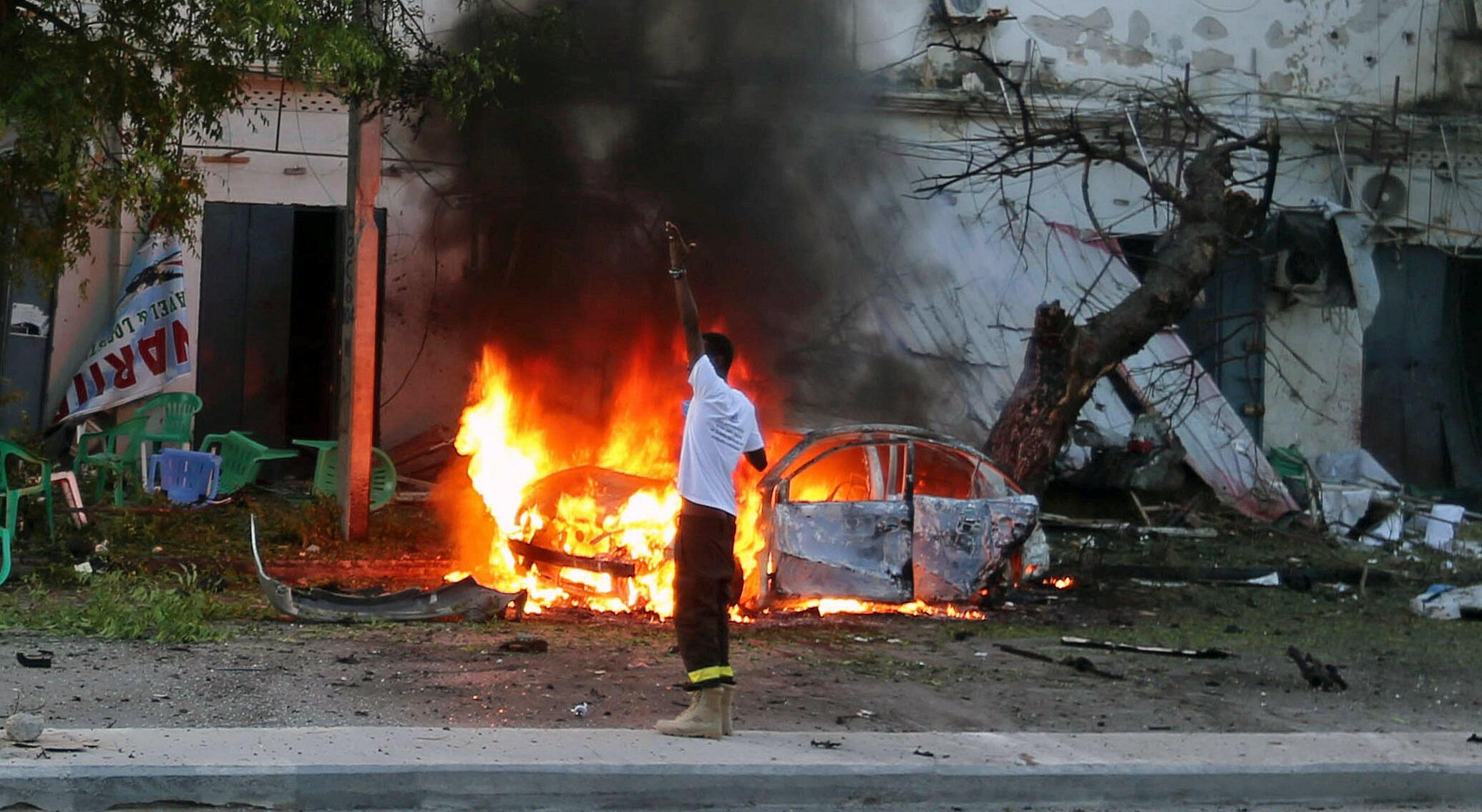 Un attentat a visé une café de Mogadiscio, Somalie, le 8 mai 2017.