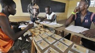 Trois quarts des Ivoiriens ont moins de 35 ans, mais ils ne représentent que 40% des inscrits sur les listes électorales.
