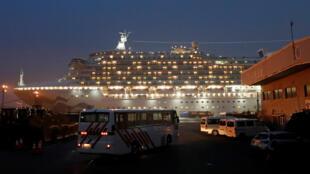 2020-02-16T084339Z_1257837149_RC2K1F97UKE1_RTRMADP_3_CHINA-HEALTH-JAPAN-SHIP