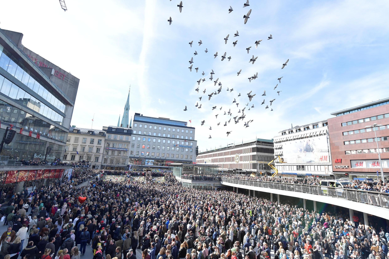"""斯德哥爾摩市中心""""Lovefest""""反恐集會2017年4月9日"""