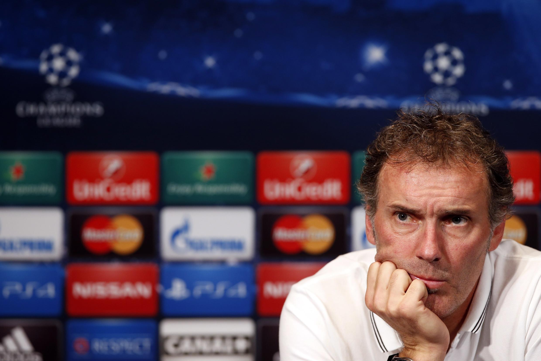 O treinador do Paris Saint-Germain, Laurent Blanc, terá de encontrar uma solução para bater o Barcelona