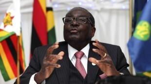 Robert Mugabe, katika mkutano wa 34 wa SADC, zambia, Agosti 18 mwaka 2014.