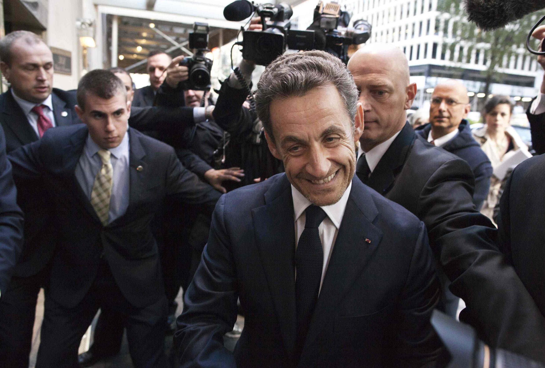 Николя Саркози прибыл в отель Waldorf Astoria в Нью-Йорке, где 11 октября 2012 прочитал свою первую лекцию