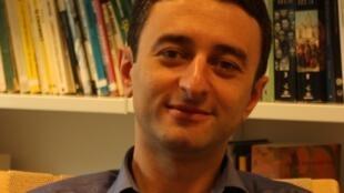 O professor de estudos brasileiros Vinicius Mariano de Carvalho faz parte do King's Brazil Institute, em Londres