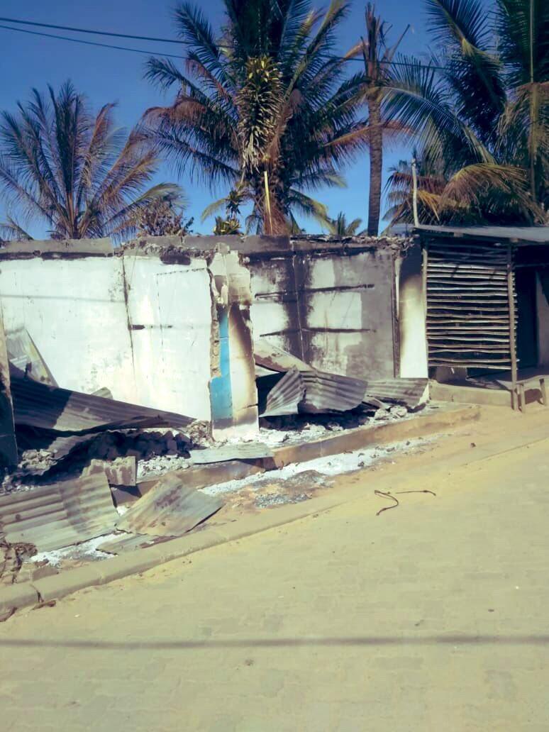 Casas destruídas em Macímboa da Praia.