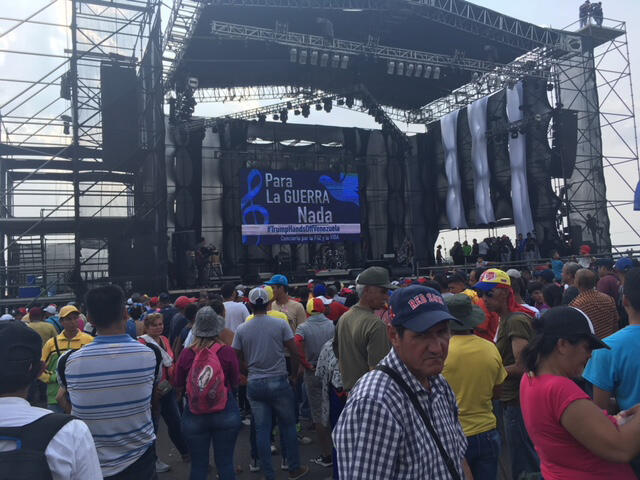A rival concert was organised in support of President Maduro at Urena, on the Venezuelan side of the border