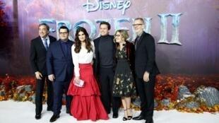 """Đoàn làm phim trong buổi ra mắt """"Frozen 2"""" tại Luân Đôn 17/11/2019"""