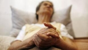 Euthanasia remains illegal in France.