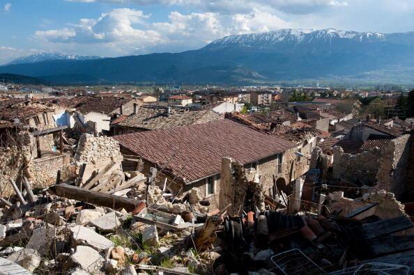 Terremoto em Áquila, na região de Abruzzo, centro da Itália, matou 309 pessoas em 2009.