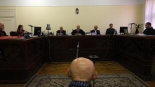 Toàn cảnh phiên tòa xét xử sơ thẩm Biszku Béla, tại Budapest, Hungary, hôm 18/03/2014.
