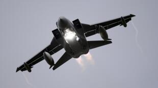 Les Tornado, qui ont décollé de la base aérienne de la Royal Air Force à Akrotiri, à Chypre, ont frappé des installations d'exploitation pétrolière du groupe EI dans l'est de la Syrie.