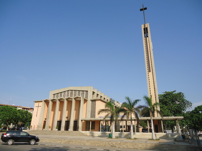 Igreja da Sagrada Família em Luanda, um dos pontos de encontro das concentrações de hoje.