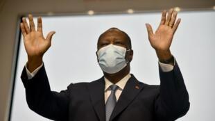 Alors que l'opposition appelle au boycott de l'élection présidentielle, Alassane Ouattara maintient le cap.