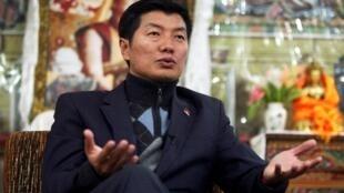 Lobsang Sangay, le Premier ministre du gouvernement tibétain en exil, lors d'une interview à Dharamsala, dans le nord de l'Inde, en novembre 2011.