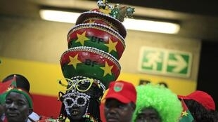 Burkina Faso fans watch their team take on Nigeria in Nelspruit, 21 January