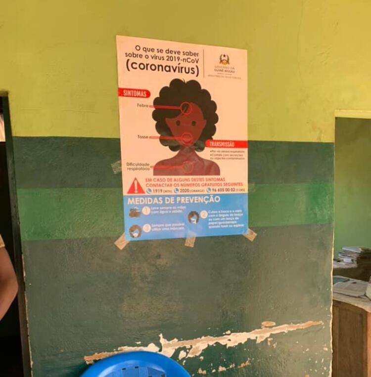 Cartaz de prevenção de COVID-19