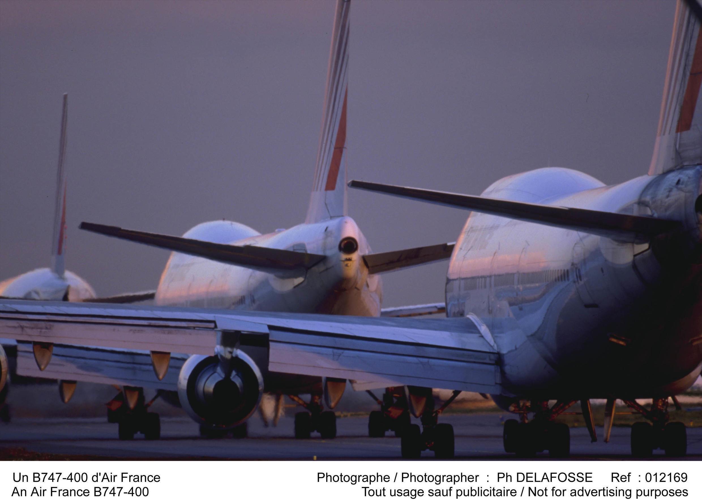 Hai chiếc Boeing 747 được bán trên mạng mỗi chiếc với giá 20 triệu euro.