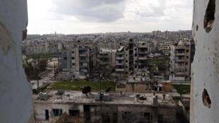 Depuis 2012, la ville d'Alep est divisée entre zones contrôlées par les rebelles à l'est et celles du régime à l'ouest.