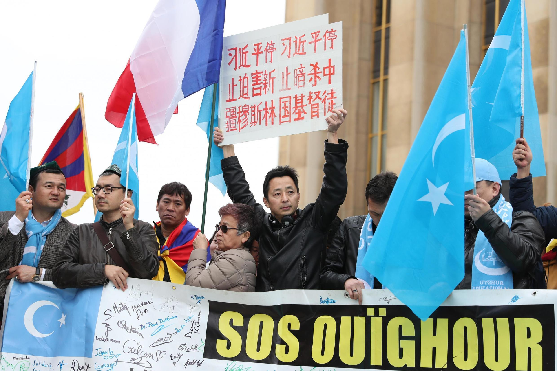 Wasu daga cikin masu kare yan kabilar Uighur a China