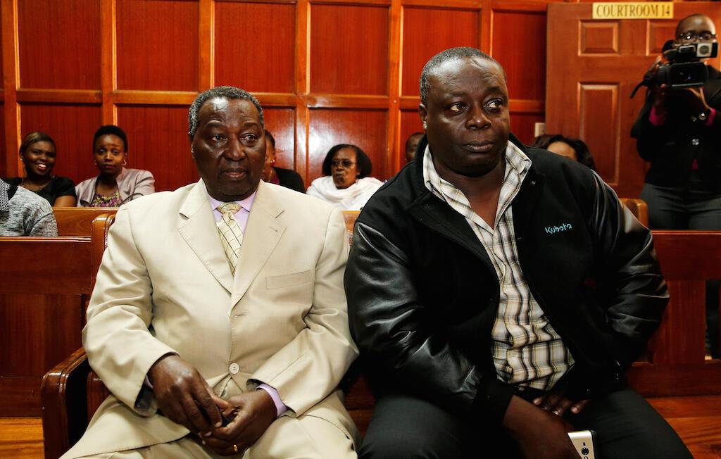 Makamu mwenyekiti wa kamti ya Olimpiki ya Kenya, Pius Ochieng na Francis Paul wakiwa mahakamni jijini Nairobi, 29 Agosti, 2016.