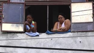 Mulheres, refugiados, imigrantes e minorias étnicas não têm acesso aos avanços dos países