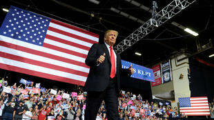 Tổng thống Mỹ Donald Trump trước các ủng hộ viên tại vận động trường WesBanco Arena nhân một cuộc mít tinh tại Wheeling, Tây Virginia (Hoa Kỳ), ngày 29/09/2018.