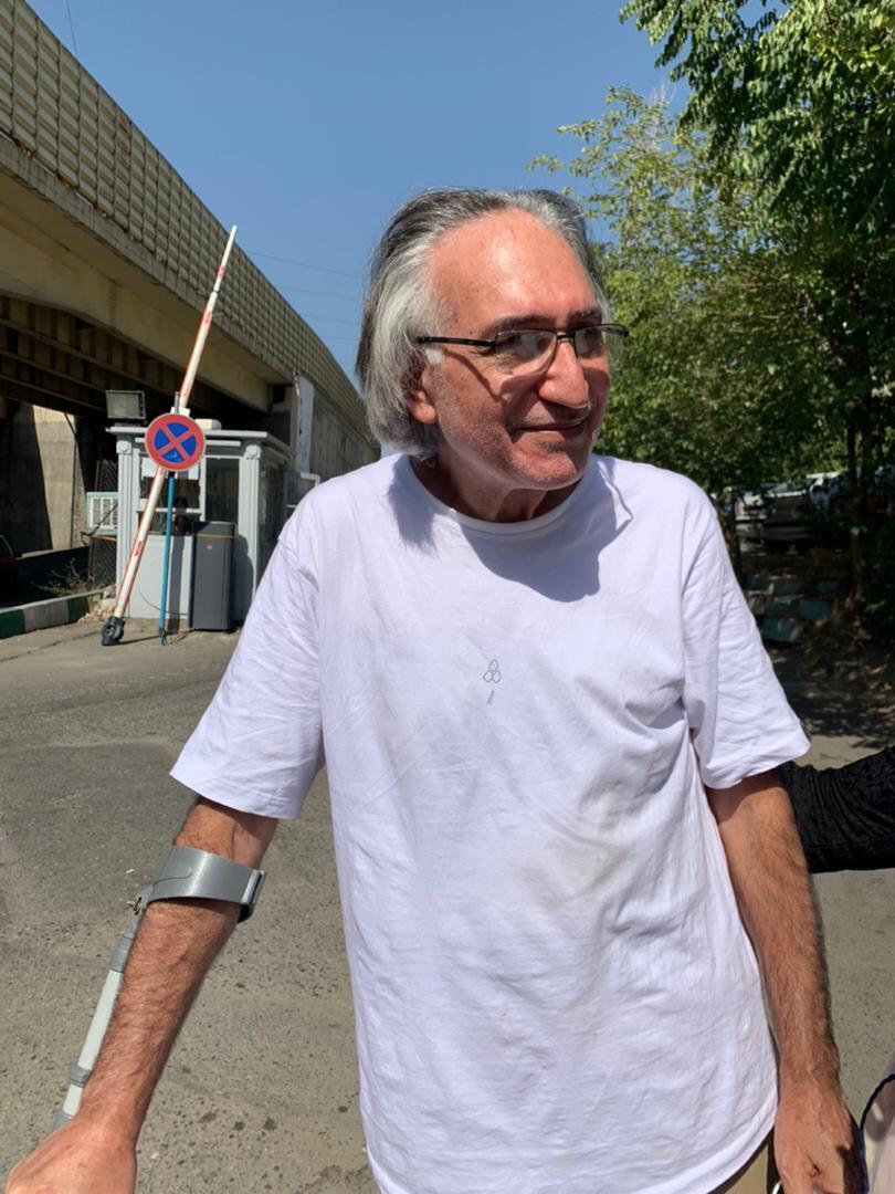 محمد نوریزاد، پس از دو سال حبس، برای ادامه معالجات به مرخصی آمد.