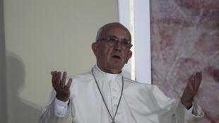 Le pape François, lors des Journées mondiales de la jeunesse (JMJ), le 28 juillet 2016 à Cracovie.