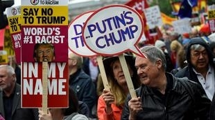 Manifestantes participam de um protesto anti-Trump em Trafalgar Square, Londres, Grã-Bretanha, 4 de junho de 2019.