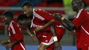 Mudather Eltaib Ibrahim  exulte après son but contre le Burkina Faso, le 30 janvier 2012.