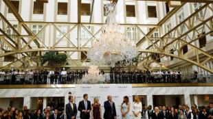 特朗普競選總統期間為在華盛頓新建豪華酒店舉行儀式
