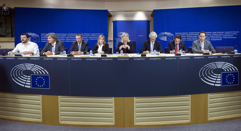 Os líderes dos principais partidos de extrema-direita da Europa, durante uma coletiva no Parlamento, em Bruxelas.