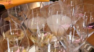 """Las degustaciones telemáticas han permitido a Olivier Krug, director de la bodega de champán  Krug, """"viajar"""" a una treintena de países sin salir de su estudio"""