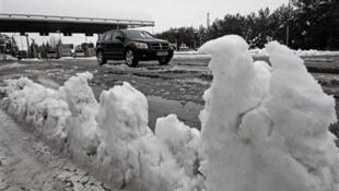 Las autopistas del sur de Francia quedaron bloqueadas por la nieve