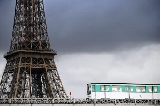 Metrô de Paris é um dos mais completos da Europa.