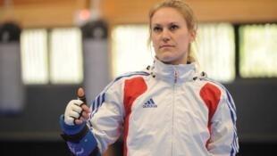 今年26岁的法国跆拳道女选手阿呵诺.