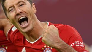 L'attaquant polonais du Bayern Munich, Robert Lewandowski, auteur d'un quadruplé lors du match de Bundesliga contre le Hertha Berlin, le 4 octobre 2020 à Munich