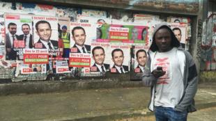 Ce réfugié soudanais suit de près la période électorale française. Du résultat dépend, aussi, son propre destin.