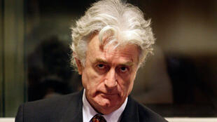 Radovan Karadzic devrait se rendre au tribunal mardi 3 novembre afin que l'on statue sur la suite de son procès.