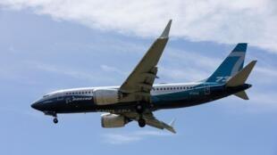 Un Boeing 737 MAX dans le ciel de Seattle, le 29 juin 2020.