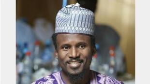 Naziru Ahmad shahararren mawakin Hausa.
