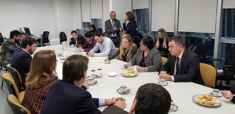 """A ministra Damares Alves participou de um encontro com deputados argentinos da bancada """"pró-vida""""."""