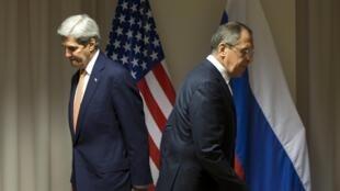 A l'issue d'une rencontre à Zurich, en Suisse, avec son homologue américain John Kerry, le chef de la diplomatie russe Sergueï Lavrov a assuré que le processus diplomatique allait commencer.