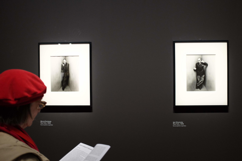 Deux portraits réalisés en 1948 par Irving Penn de Marcel Duchamp et Igor Stravinsky dans l'exposition du Grand Palais.