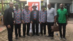 Nganga Edo et les Bantous de la capitale (et Claudy Siar de RFI), en 2019.