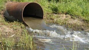 Les déchets industriels représentent une part conséquente de la pollution environnementale.