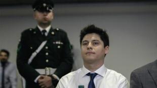 El chileno Nicolás Zepeda, sospechoso de la desaparición de Narumi Kurosaki, durante una vista para determinar su extradición a Francia, el 5 de marzo de 2020 en Santiago de Chile.