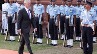 Bộ trưởng Quốc Phòng Mỹ Jim Mattis lúc đến New Delhi, 26/09/2017.