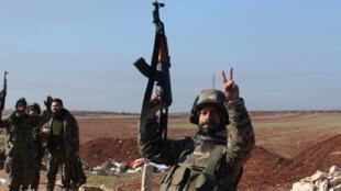 Un soldat pro-gouvernemental syrien, en février 2016, dans le nord du pays.