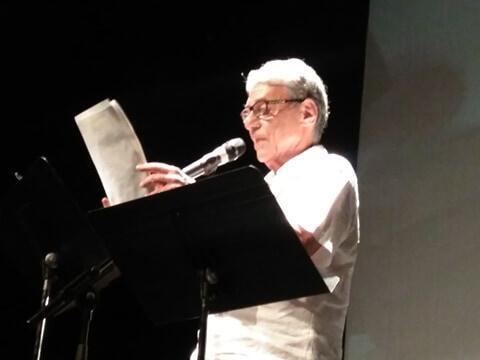 Chico Buarque lendo uma carta de um nordestino a Lula